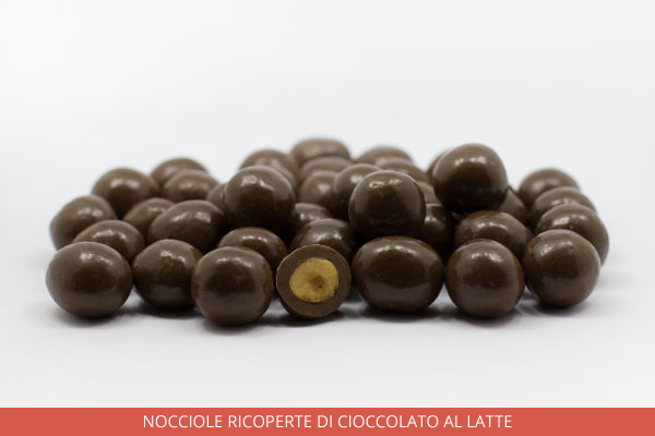 01_Nocciole-ricoperte-di-cioccolato-al-latte_Ambrosio